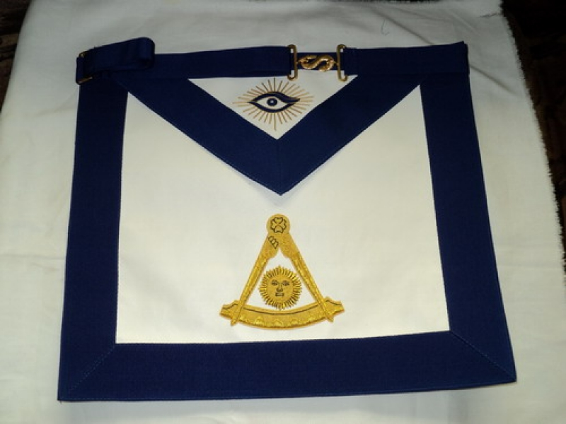 Past Master Masonic Apron 2.jpg